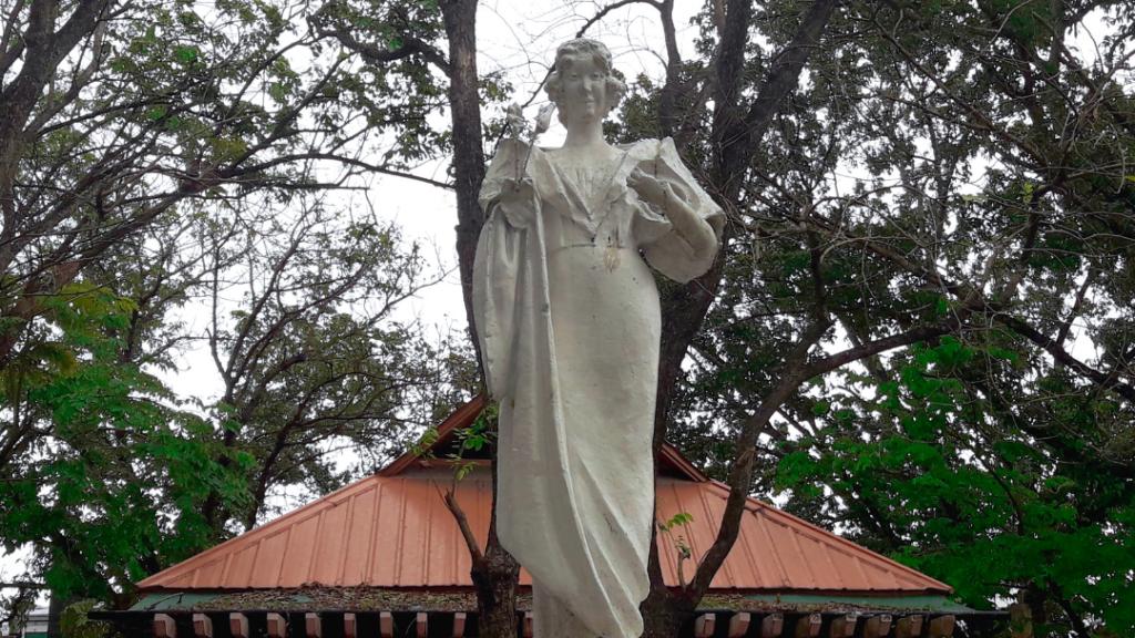 Maria Clara Monument Molo