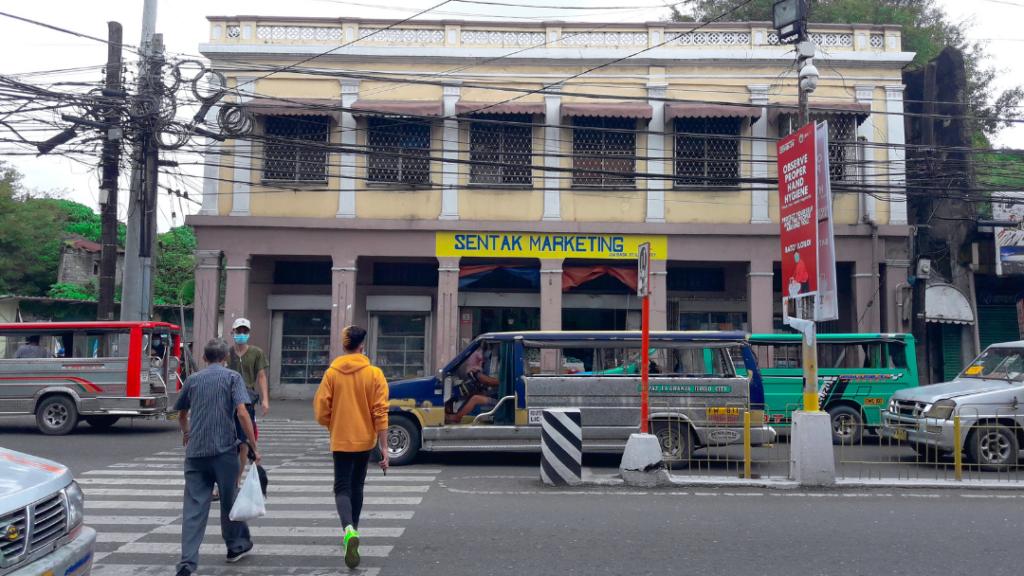 01-018 Villanueva Building