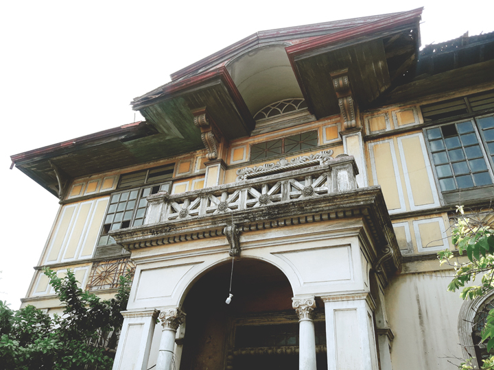 Don Roque Locsin Sanson Mansion Closeup