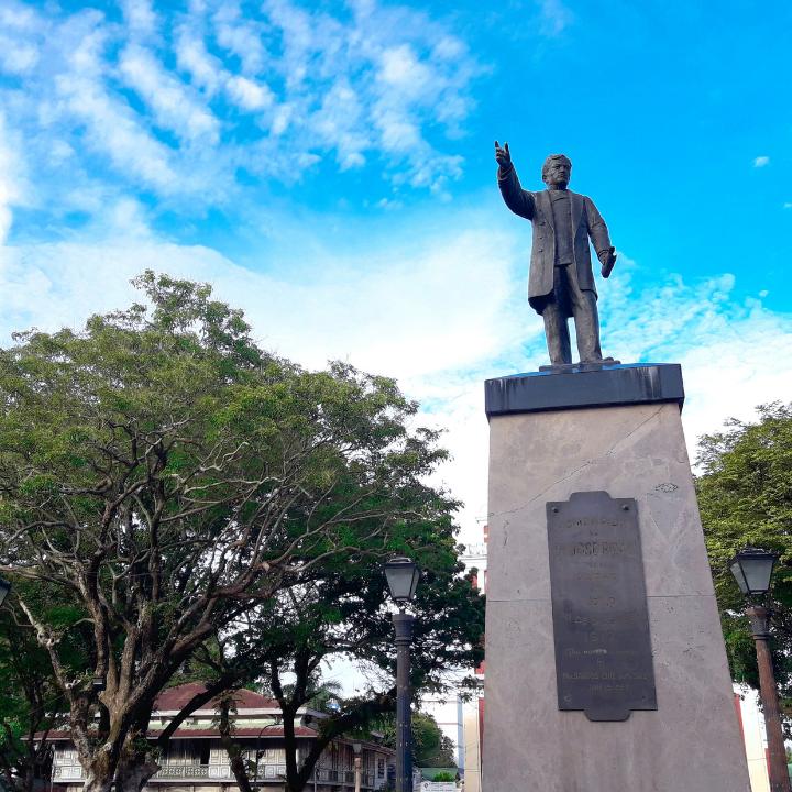 Jose Rizal Monument 01