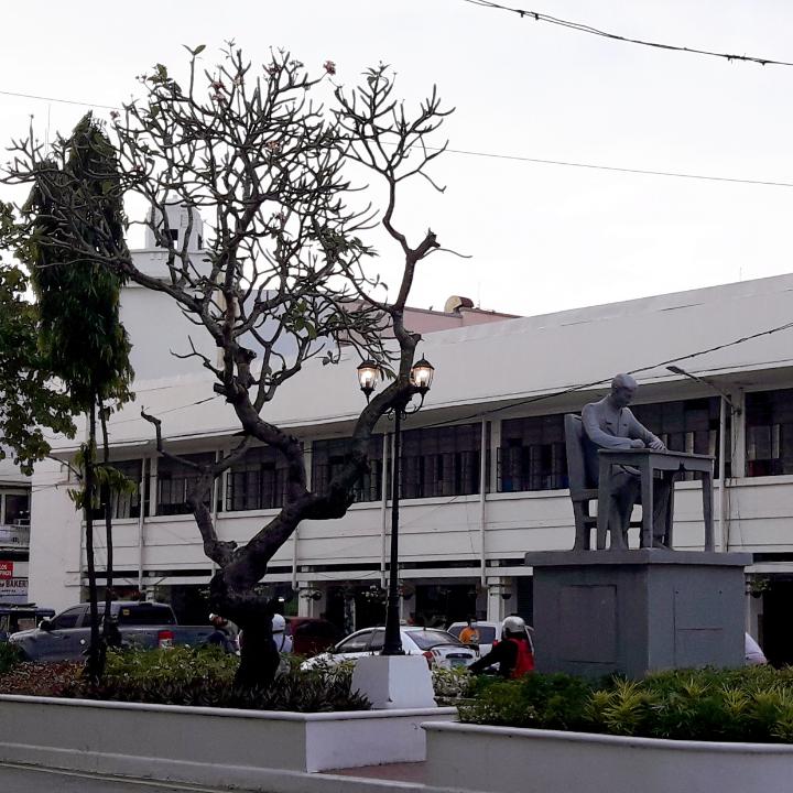 Jose Rizal Monument 02