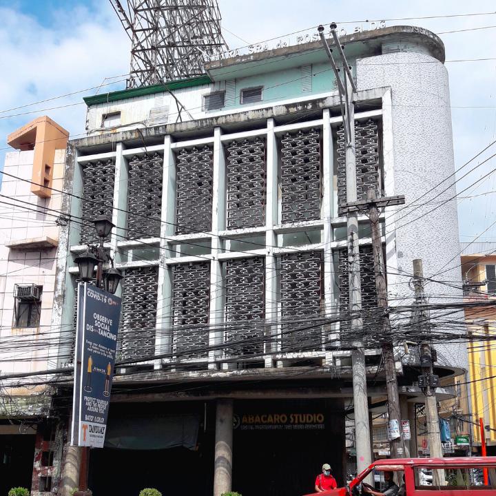 Nuestra Señora del Santo Rosario Building
