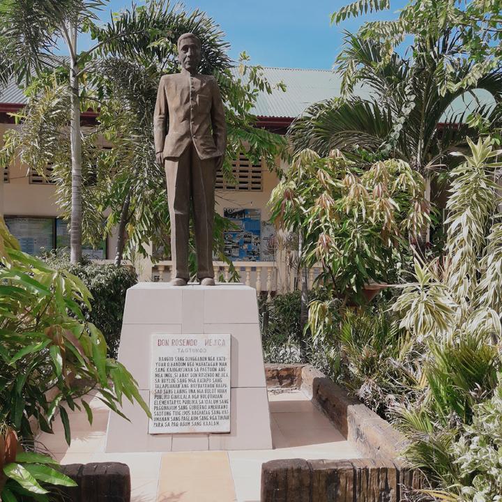 Rosendo Mejica Monument