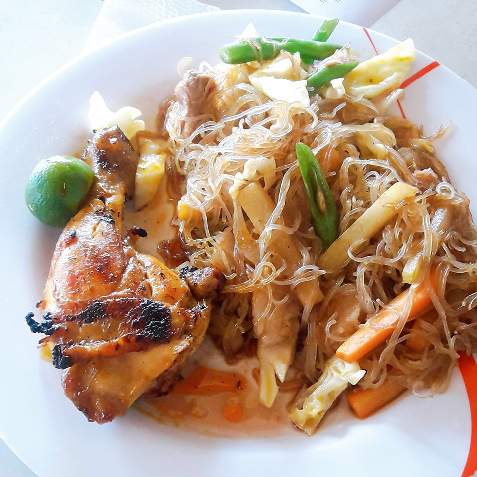chicken barbecue bihon guisado