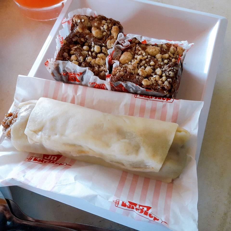 fresh lumpia and revel bar