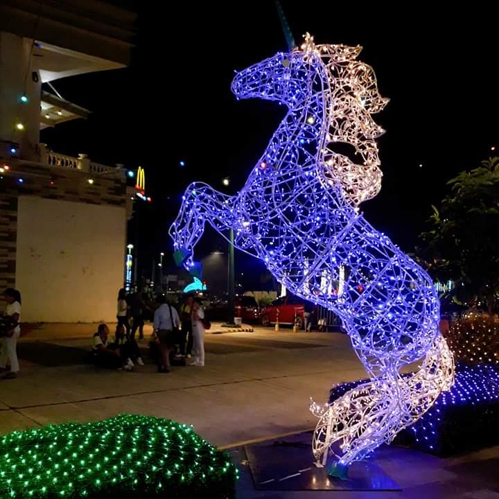 horse festive walk