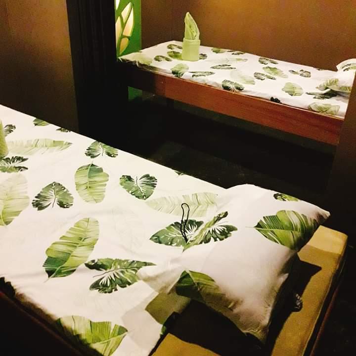 leaf healing spa couple room