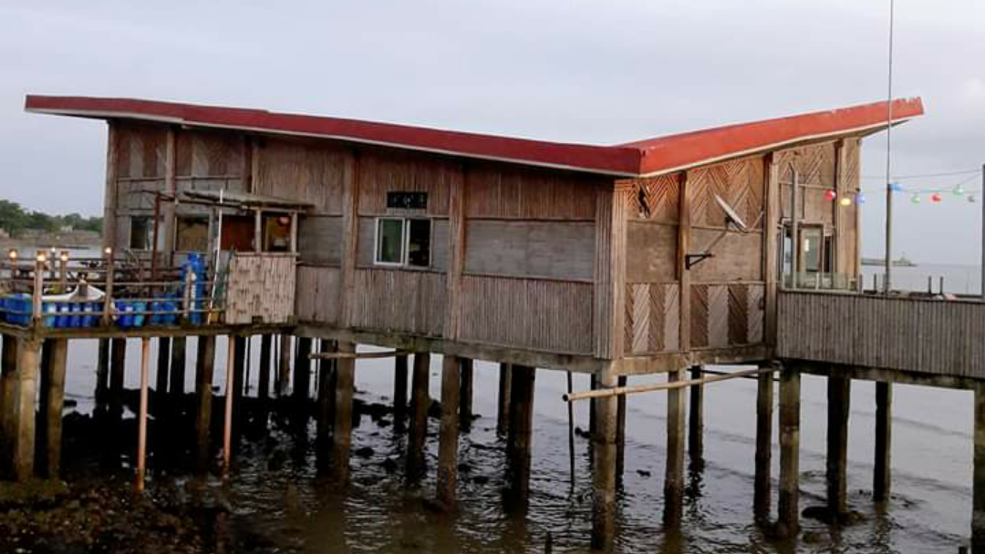 Curvus Cafe: Dining Experience along the Coastal Roads of Dumangas