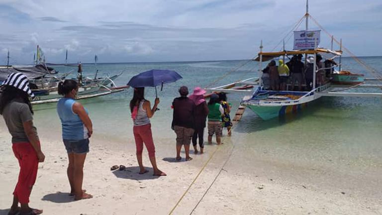 Merkado on Boat Serves Communities